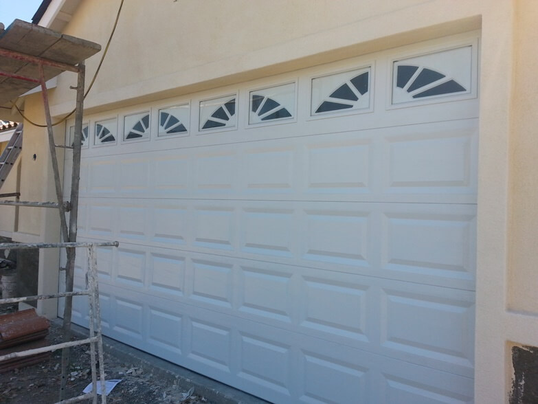 garage doors menifee ca outside